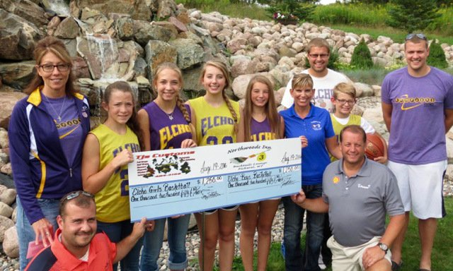 Golf Fundraiser Supports Local Teams